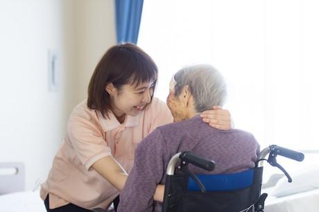 募集強化中!大規模法人の有料老人ホームで安定して勤務未経験者におすすめの求人です
